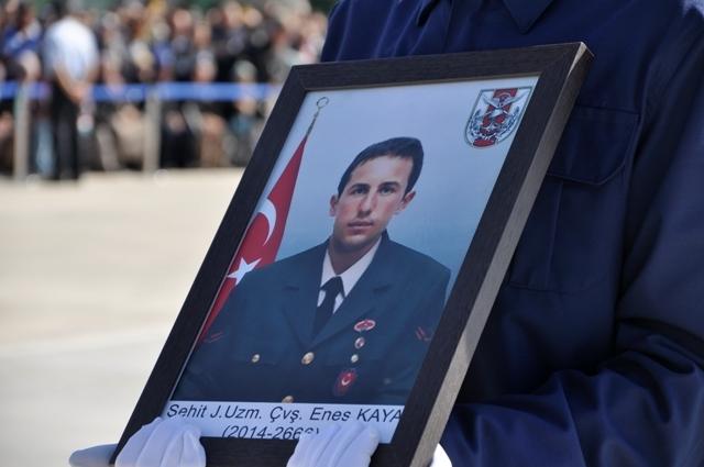Şehit Jandarma Uzman Çavuş Enes Kaya'ya son görev galerisi resim 5