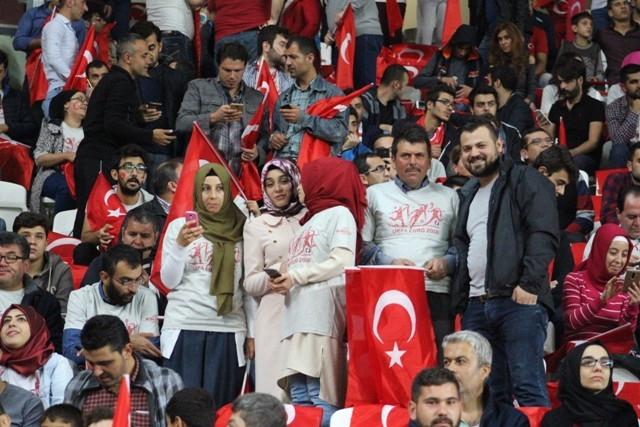 Konya'da milli heyecan galerisi resim 1