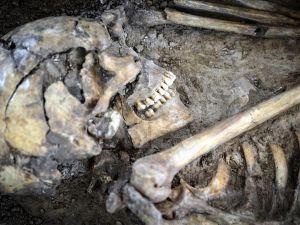 İran'da M.Ö. 7500 yılına ait insan iskeleti