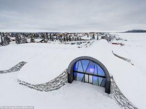 Buzdan saray yaptılar