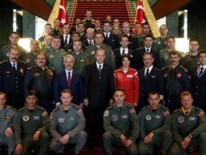 Cumhurbaşkanı Erdoğan pilotları kabul etti