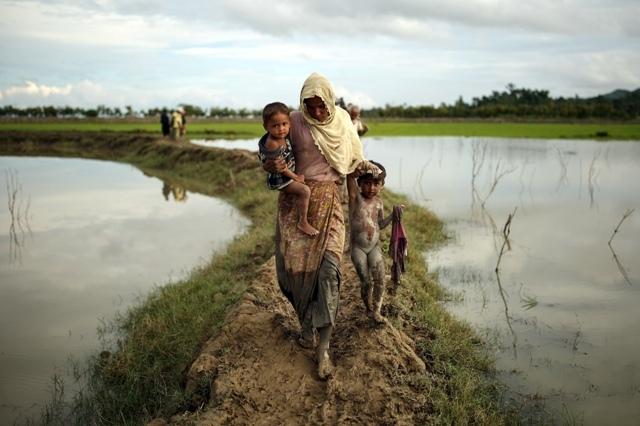 Myanmar'dan kaçmaya çalışan daha binlerce Arakanlı Müslüman var galerisi resim 1