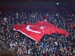 Beşiktaş Fenerbahçe derbisinden kareler