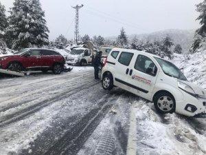 Antalya-Konya karayolunda kar engeli