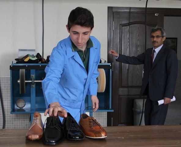 """Türkiye'nin """"ayakkabı tasarımcıları"""" bu okulda yetişiyor galerisi resim 9"""