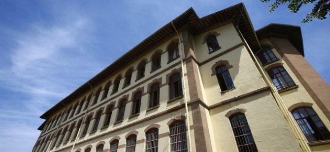 Türkiye'nin asırlık eğitim yuvası  Konya Lisesi
