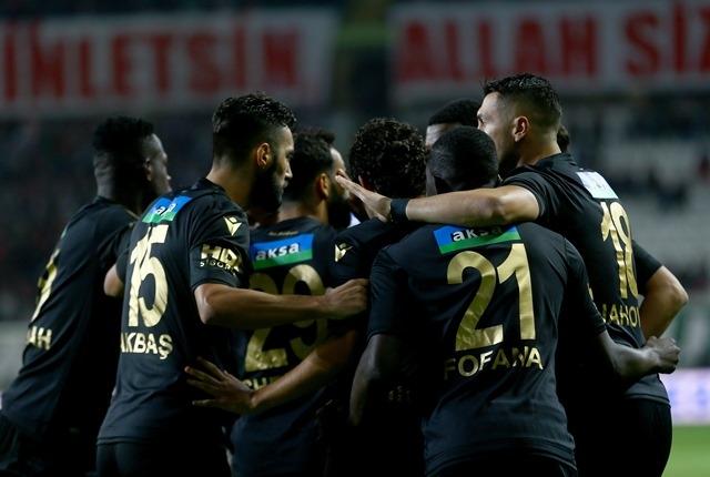 İH Konyaspor: 0 - B.Y Malatyaspor: 2 galerisi resim 7