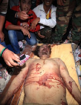 Kaddafinin ceset fotoğrafı için yarıştılar  galerisi resim 2