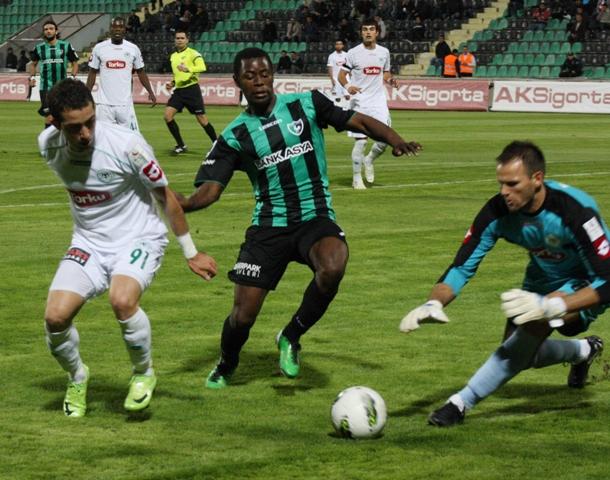 Denizlispor - Konyaspor 1-2 Sezon 2011-2012  galerisi resim 1