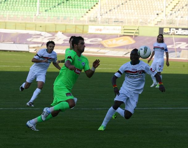 Konyaspor - Karşıyaka 1-0 sezon 2011 / 2012  galerisi resim 1