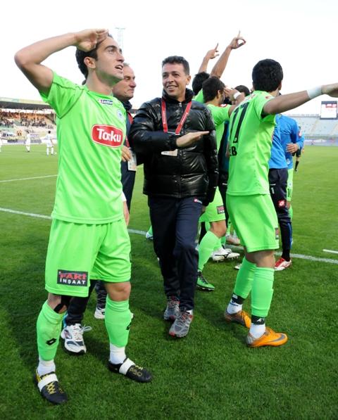 Konyaspor - Karşıyaka 1-0 sezon 2011 / 2012  galerisi resim 10