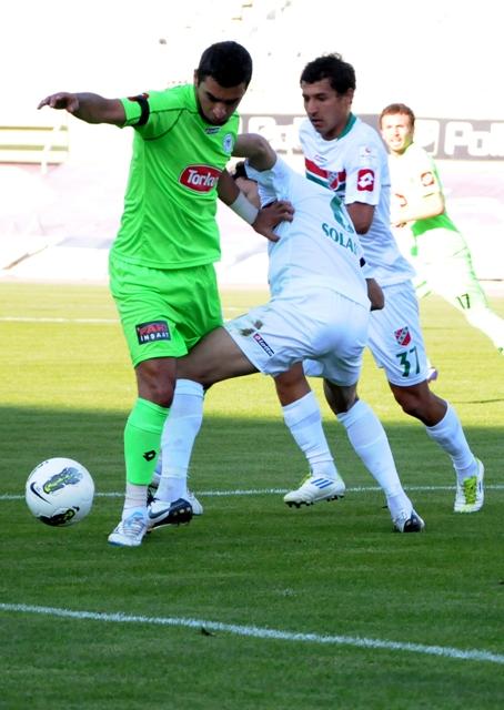 Konyaspor - Karşıyaka 1-0 sezon 2011 / 2012  galerisi resim 11