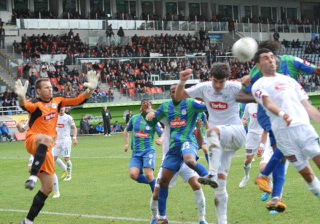 Çaykur Rizespor - Konyaspor 2-2  Sezon 2011-2012  galerisi resim 12