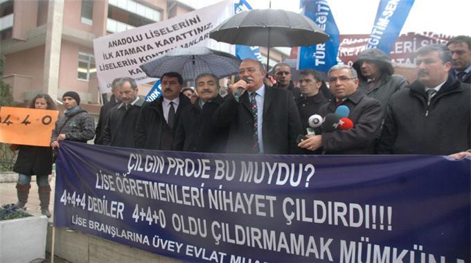Milli Eğitim Bakanlığı önünde eylem