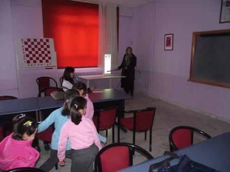 Özel Gençlik İlköğretim Okulu'nda göz taraması