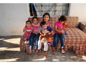 Suriyeli Aile Antalyada Yaşam Savaşı Veriyor