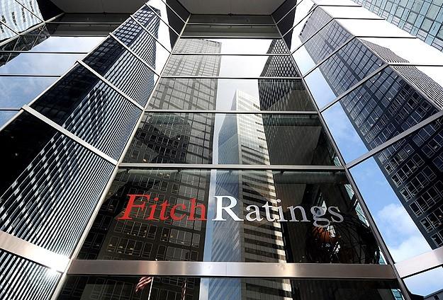 Fitch Halkbank'ın finansal kapasite notunu negatif izlemeden çıkardı