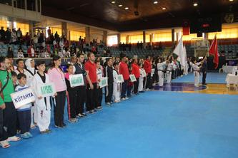 Taekwondo Poomse Türkiye Şampiyonası Konya'da başladı