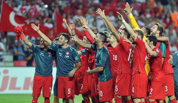 Türkiye-İzlanda maçının biletleri tükendi
