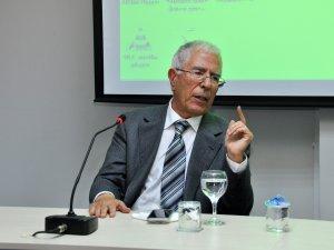 Eski Bakan Aydın NEÜ'de konferans verdi
