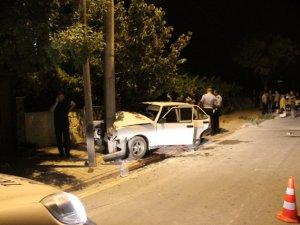Konya'da otomobil direğe çarptı: 1 ölü, 3 yaralı