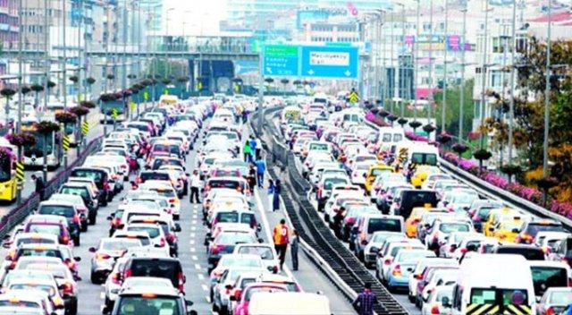 Milyonlarca araç sahiplerine müjde! Düştükçe düşüyor