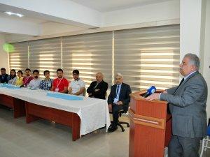 """""""TÜBİTAK Bilim Okulu Konya 2016"""" NEÜ'de derslere başladı"""