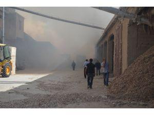 Hatay'da çırçır fabrikasında yangın