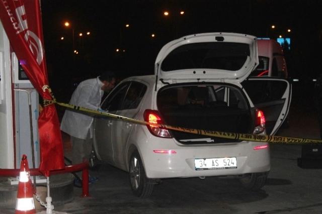 Konya'da Emlakçı Kadın, Benzinlikte Tabancayla Kendini Vurdu
