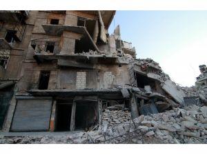 Halep'teki bombardımanda anıları enkaza gömüldü