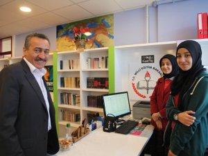 Seyyidharun Anadolu Lisesine z-kütüphane açıldı