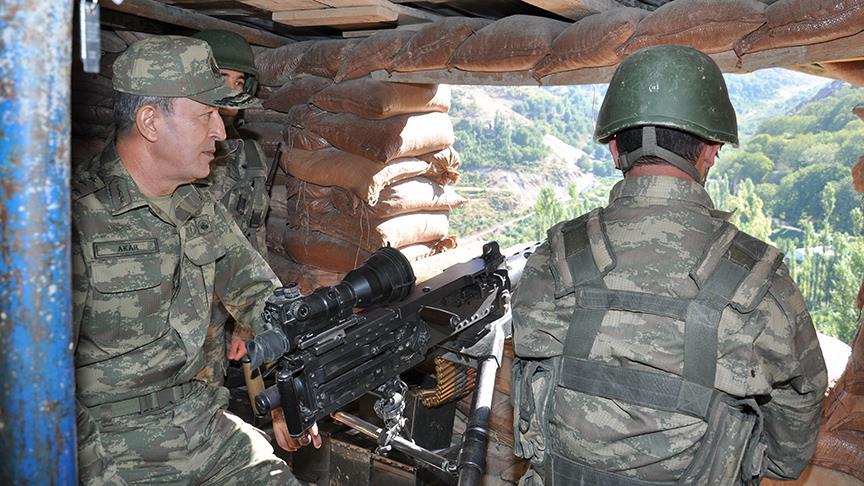 Genelkurmay Başkanı Akar'dan sınırda inceleme