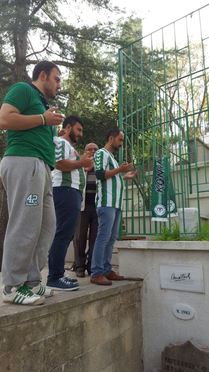 Konyaspor taraftarı, Necip Fazıl'ı unutmadı