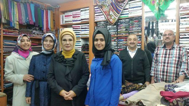 Emine Erdoğan Üzümcü Tekstil'de
