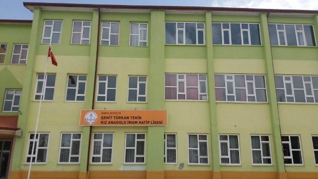FETÖ okuluna 15 Temmuz şehidinin adı verildi