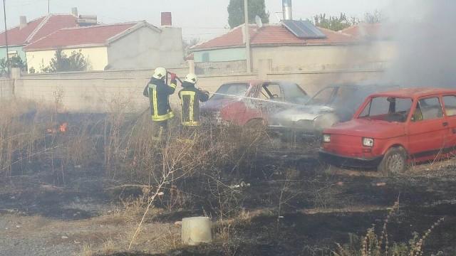 Otoparkta çıkan yangında 7 araç zarar gördü