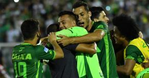 Son Dakika! Kolombiya'da Brezilyalı Futbolcuları Taşıyan Uçak Düştü