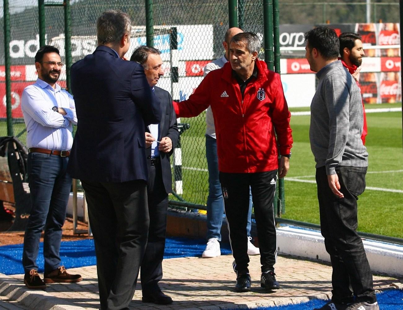 Beşiktaş yönetimi, derbi kampına girecek