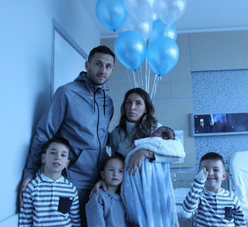 Vukovic, 4. kez baba oldu