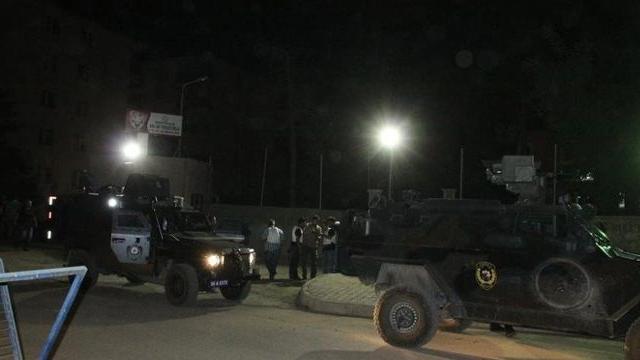 Son Dakika! Hazro'da Jandarma Karakoluna Bombalı Araçla Saldırı Düzenlendi