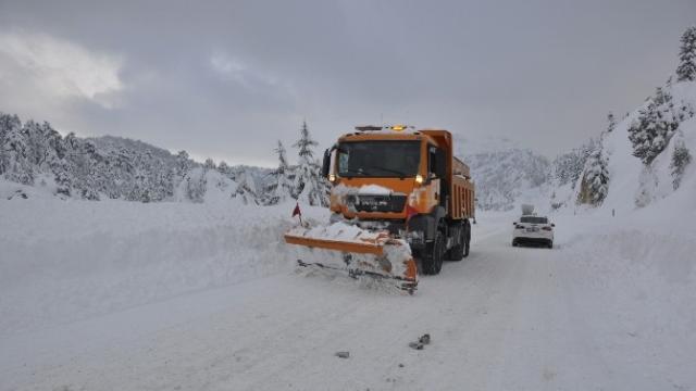 Akseki-Seydişehir karayolunda araç geçişine izin verilmiyor