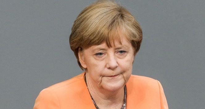 2017 Merkel için zor bir yıl olacak