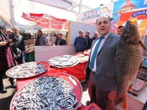 """Başkan Özaltun'dan balıkçılara """"Yasaklara Uyalım"""" çağrısı"""
