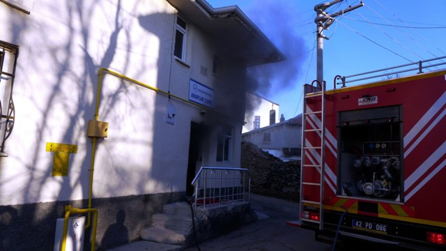 Seydişehir'de camide yangın