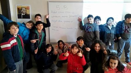 """TED Konya Kolejinde """"Teknoloji ve Sosyal Medya Bağımlılığı"""" anlatıldı"""