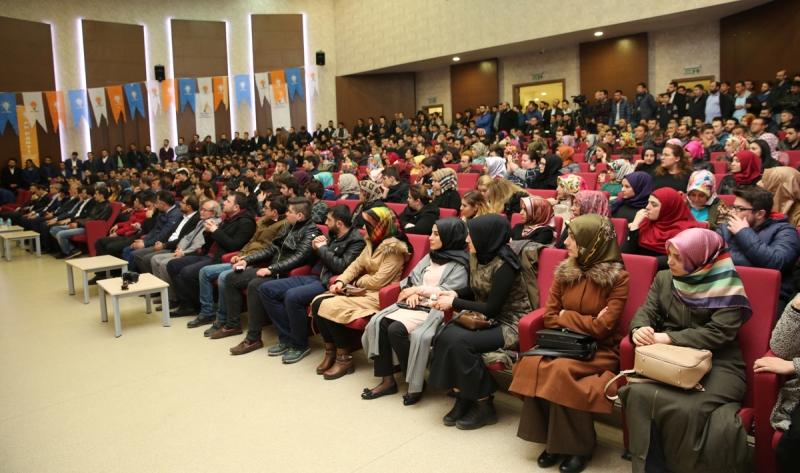 AK Parti Selçuklu'da  Genç Kürsü etkinliği