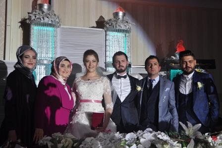 Fatma Nur ile İdris evlendiler