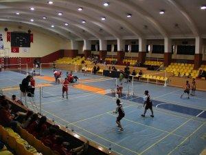 Okullar Badmintonda finale Konya'dan yükseldiler