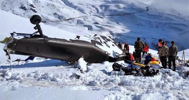 Helikopter kazasında kurtarma ekipleri zor anlar yaşamış