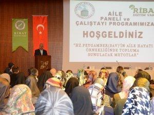 Konya'da Aile Paneli ve Çalıştayı düzenlendi